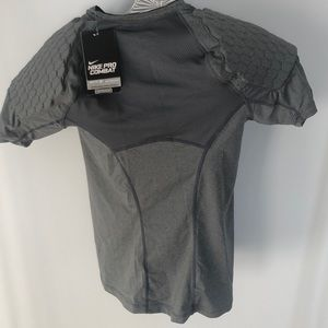 Nike Pro Combat Padded shirt - Mens Medium NWT